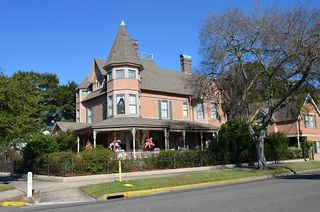 Victorian-house-420965_640[1]