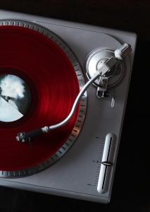 Vinyl-player-1-1413479-m[1]